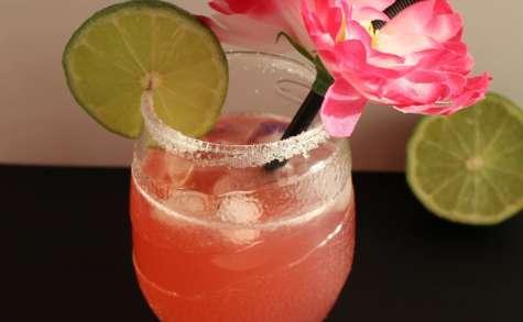 Cocktail L' équation aux litchis citron vert et fraise