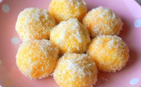 Sablés à la noix de coco et confiture (boule de neige)