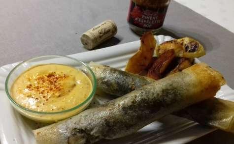 Cigares de boudin aux oignons confits, sauce crémeuse au piment d'Espelette