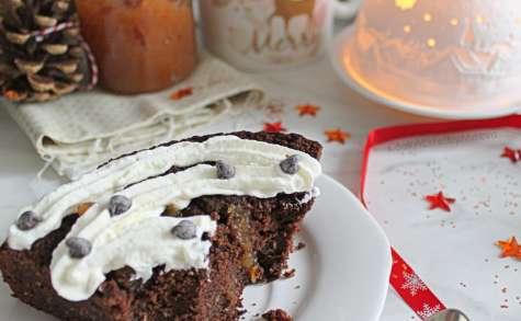Poke cake chocolat, kaki et noix de coco