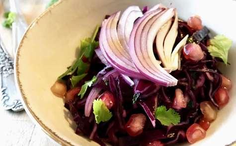 Salade de chou rouge, grenade et coriandre