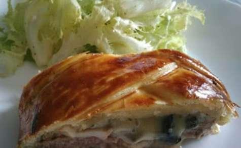 Tresse feuilletée viande hachée champignons raclette et sa verdure