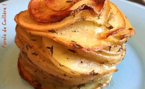Mille-feuilles de pommes de terre au parmesan et au thym