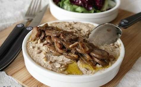 Porridge crémeux aux flocons de quinoa et champignons