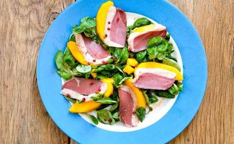 Magrets de canard, mangue et salade mâche