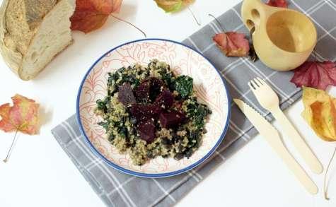 Salade tiède aux betteraves, haricots noirs et boulgour