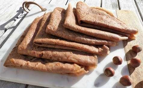 Crêpes à la farine de châtaigne et au lait végétal aux noisettes