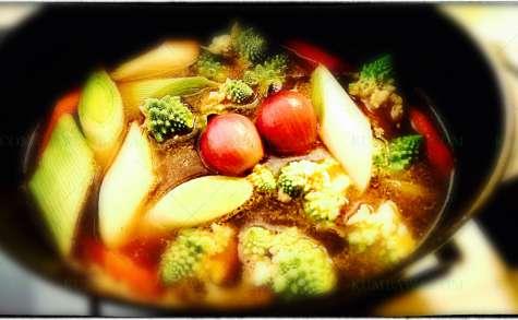 Bouillon aux 5 épices et baby légumes