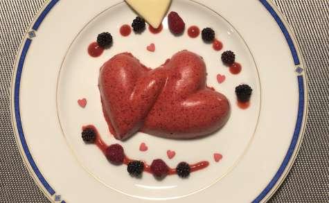 Coeurs entrelacés à la fraise et chocolat blanc