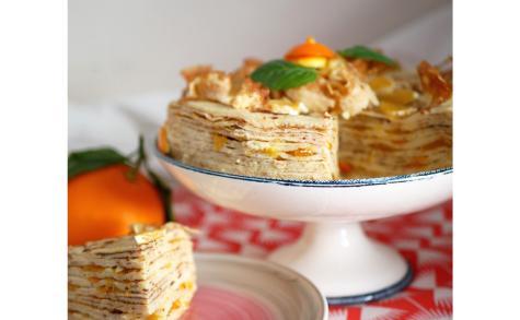 Gâteau de crêpes à la confiture d'oranges et crème pâtissière au Grand Marnier