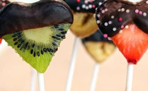Sucettes de fruits au chocolat