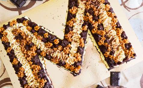 Letter cake chocolat, vanille, caramel