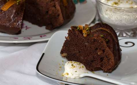 Gâteau au vin rouge, chocolat et oranges confites
