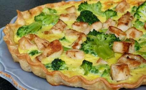 Tarte fine au brocolis, poulet grillé et cheddar irlandais