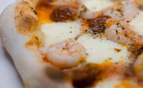 Pizza au chorizo et aux crevettes