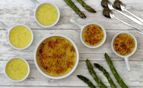 Crème brulée aux asperges et parmesan