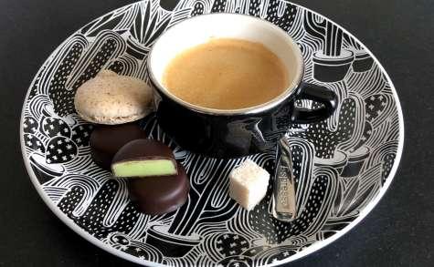 Bonbons au chocolat et pâte d'amande