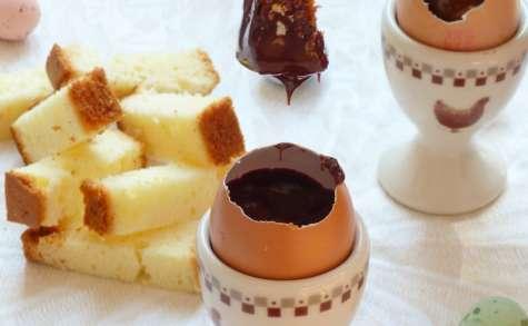 Oeufs à la ganache de chocolat et caramel au beurre salé avec ses mouillettes