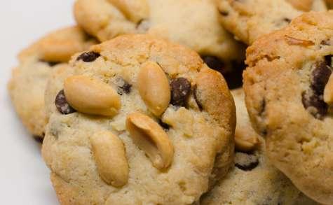 Cookies aux noix, au chocolat noir et aux cacahuètes