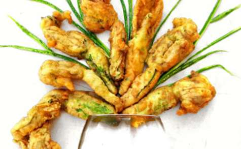 Beignets de courgettes-fleurs à la niçoise