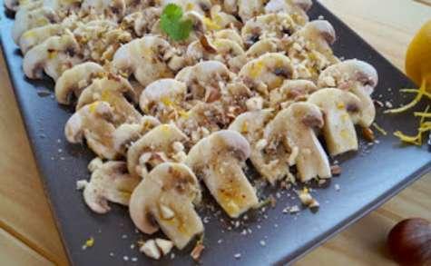 Carpaccio de champignons aux noisettes et au citron