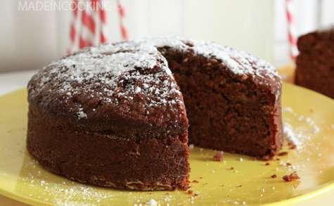 Gâteau moelleux au chocolat et aux pommes