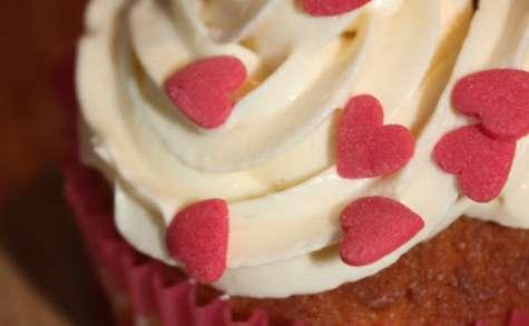 Cupcake Rhubarbe et crème au beurre à la vanille et au chocolat blanc