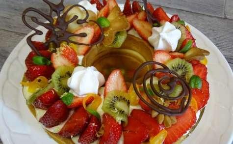 Tarte couronne aux fraises, kiwi, kumquats, crème diplomate citronnée