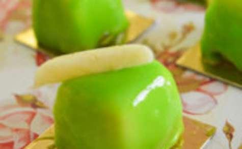 Mignardise bretonne : pomme, palet breton & coeur coulant de caramel au beurre salé