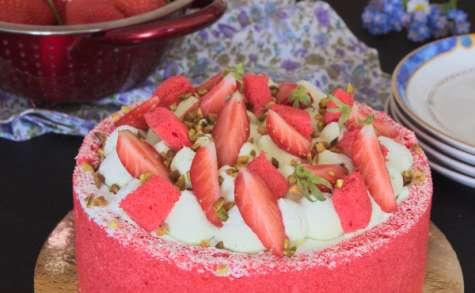 La charlotte aux fraises et à la pistache