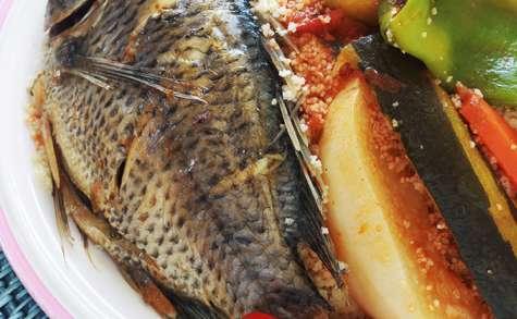 Couscous tunisien au poisson et légumes, recette traditionnelle