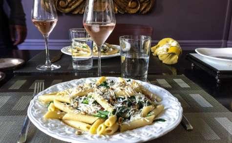 Penne con fagioli e spinaci