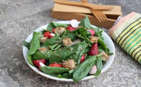 Salade épinards, fraises et tofu pané à la noix de coco