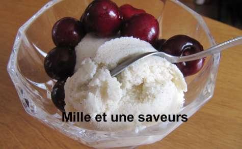 Glace aux yaourts natures et fève de tonka