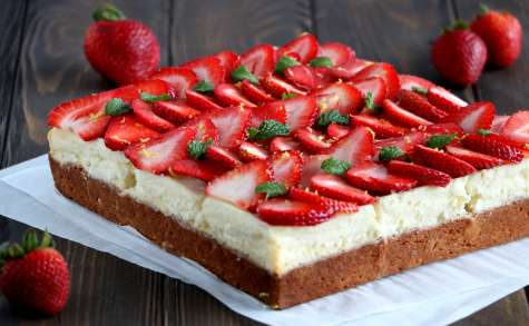Cheesecake blondies aux fraises