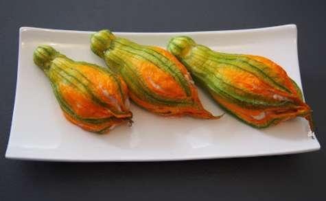 Fleurs de courgettes farcies - mozzarella et jambon de Parme