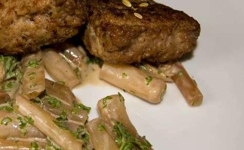 Patties à l'italienne, scorsonères au jus de viande