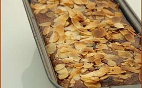 Quatre quarts au chocolat, amandes et aux nectarines