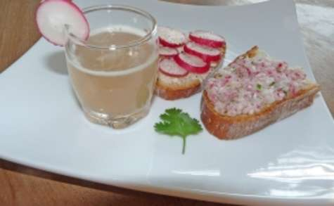 Shot de réjuvélac radis-coriandre et sa tartine