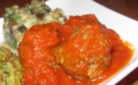 Boulettes de canard, sauce aux tomates fraîches et séchées