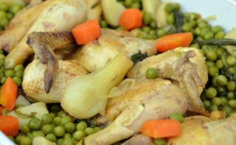 Coquelets et petits légumes du jardin