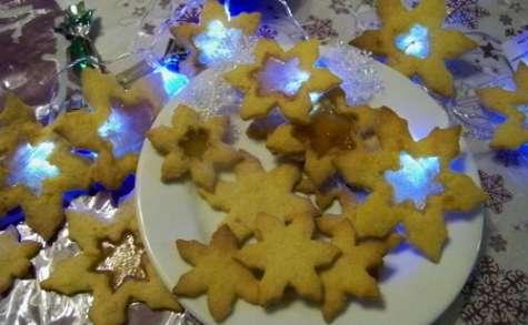 """Biscuits """"Vitrail"""" aux délicieux arômes d'épices et d'orange"""