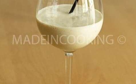 Lassi banane-Smoothie yaourt banane (milk-shake indien)