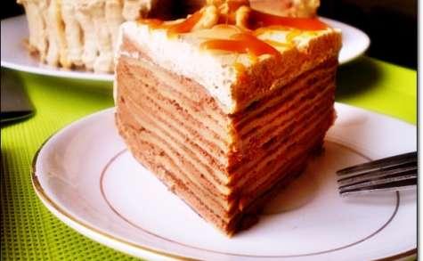Gâteau de Crêpes au Chocolat Chantilly & Caramel au Beurre Salé