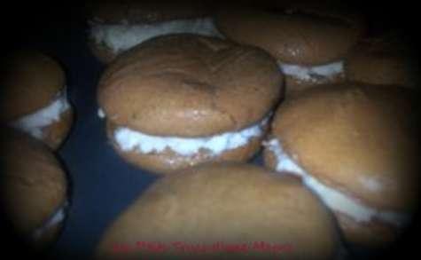 Macarons choco-tonka et mousse de lait
