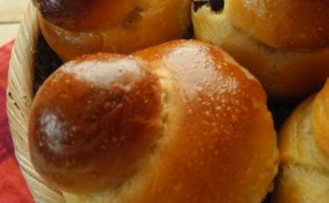 Brioches à tête à l'huile d'olive et à la poudre d'agave