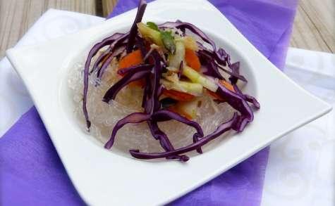 Salade de crudités et nouilles de riz