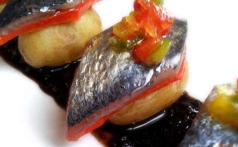 Pintxo de sardines séchées marinées à l'eau de tomate