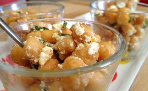Salade de pois chiches grillés, feta et menthe