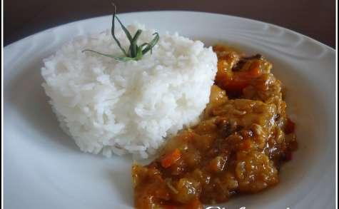 Riz au lait de coco accompagné d'une sauce ratatouille